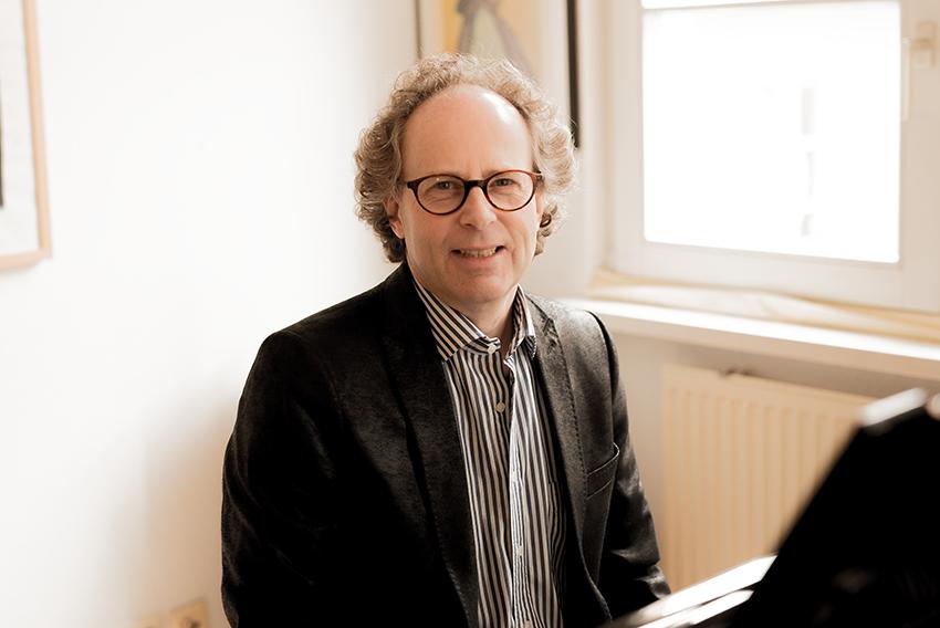 Peter Schmitz, Klavier, Tenor, Studio Vocal, Konzertchor, Chorleiter, Konzertchor Federsee, Ochsenhausend, Mönchen-Gladbach
